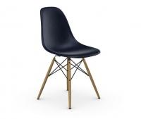 Vitra Eames Fiberglass Side Chair DSW navy blue UG: Ahorn gelblich