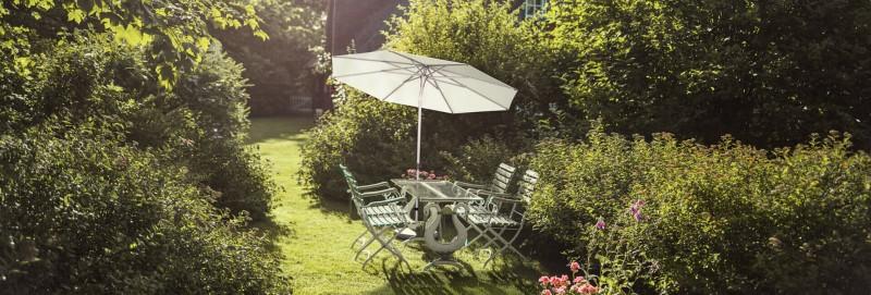 Glatz Alu Smart Sonnenschirm fuer kleine Terrassen
