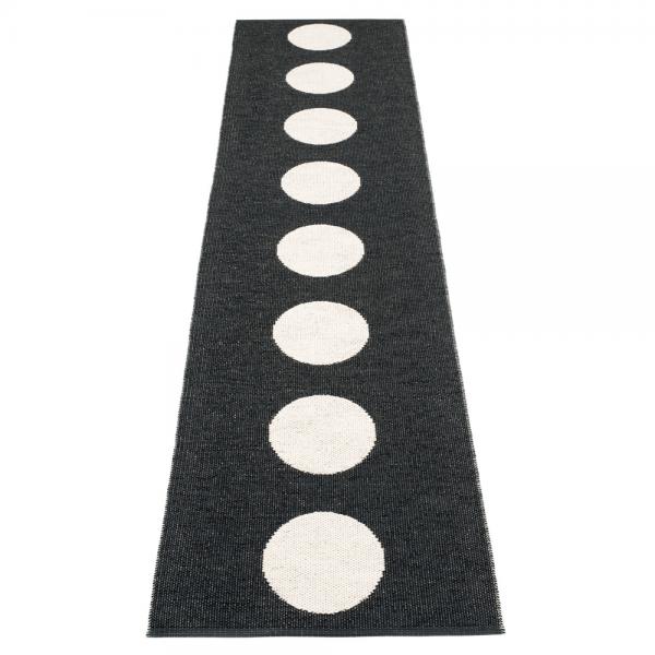 Pappelina Vera Black 70x300 Teppich & Badvorleger schwarz