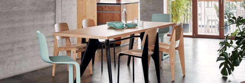 Vitra EVO-C Freischwinger-Stuhl von Jasper Morrison mit verschieden Vitra Stühlen kombiniert