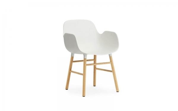 Normann Copenhagen Form Armlehnenstuhl Wood Sitzschale weiss / UG Eiche