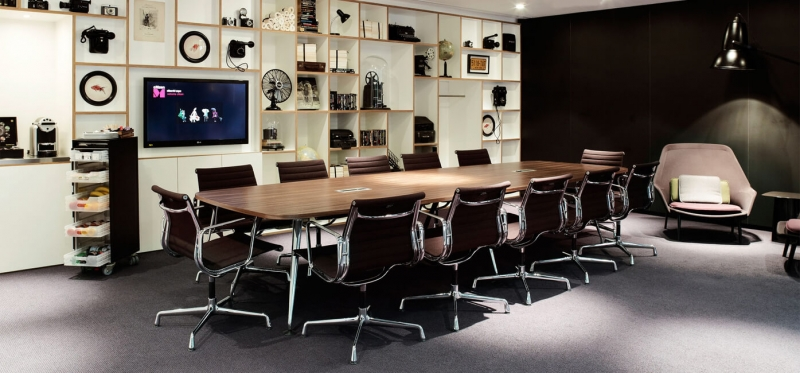 Vitra Aluminium Chairs EA 105 / 107 / 108 design by Charles & Ray Eames, 1958