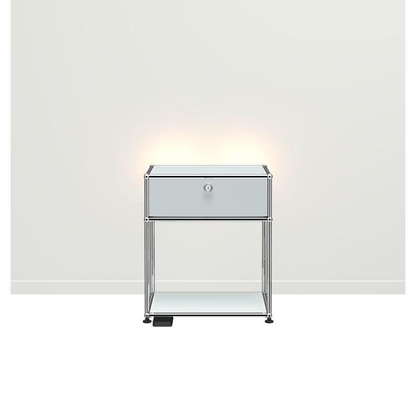 USM Haller E Nachttisch mit dimmbarem Licht USM mattsilber