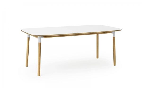 Normann Copenhagen Form Esstisch 200 x 95 cm UG: Eiche, natur / TP: Laminat, weiss