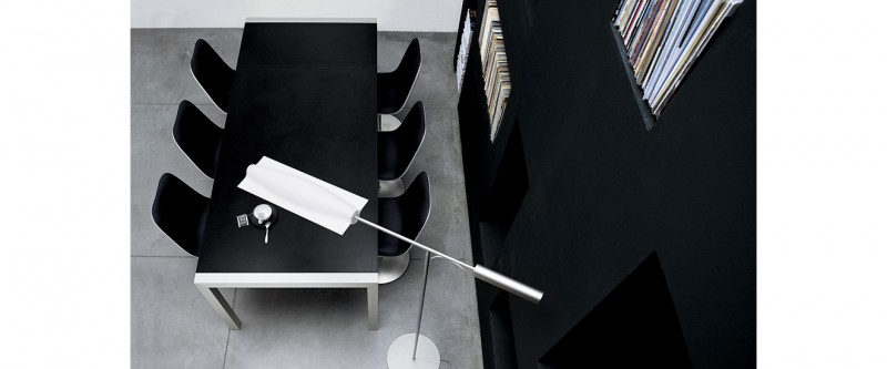 Kristalia Sushi Table Esstisch und Boum Disc Base Stuhl