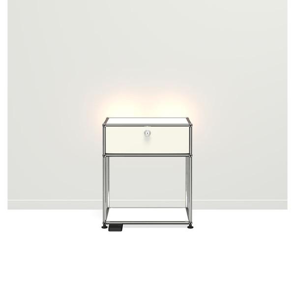 USM Haller E Nachttisch mit dimmbarem Licht weiß