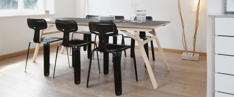 Nils Holger Moormann Klopstock Esstisch und Pressed Chair Stuhl