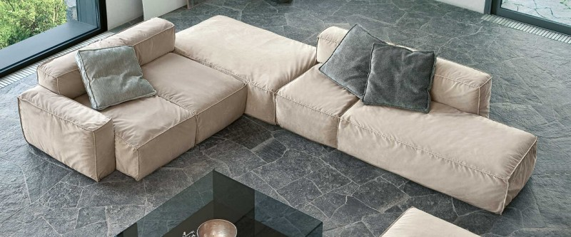 Bonaldo Peanut B Stoffsofa Couch mit Long Chair Liegefläche mit Kuschelkissen