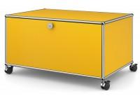 USM Haller TV HiFi Lowboard mit Kabelauslass und Zwischentablar auf Rollen gelb
