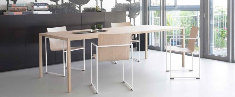 Arco Slim Esstisch und Arco Frame Stuhl Designermöbel