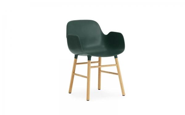 Normann Copenhagen Form Armlehnenstuhl Wood Sitzschale grün / UG Eiche