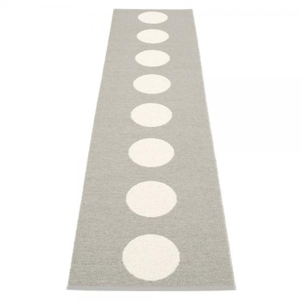 Pappelina Vera Warm Grey 70x300 Teppich & Badvorleger grau