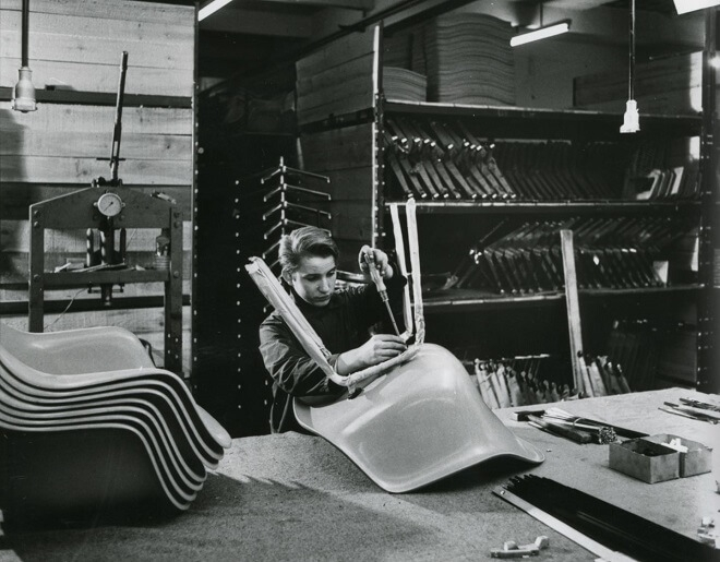 Vitra Eames Fiberglass Chairs Produktion 2