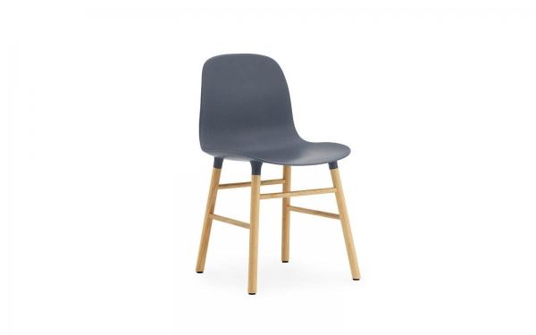 Normann Copenhagen Form Stuhl Wood Sitzschale blau / UG Eiche