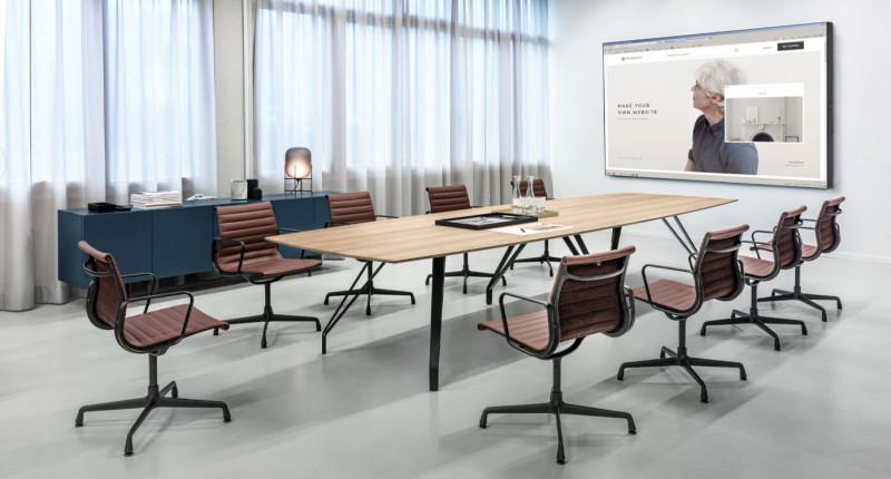 Zoom by Mobimex Brace Konferenztisch mit Vitra Aluminium Chairs
