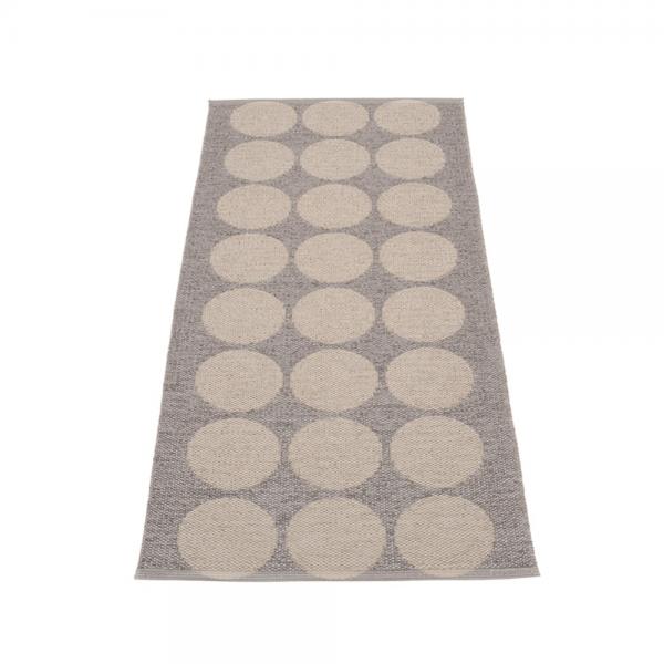Pappelina Hugo Mud metallic 70x160 Teppich & Badvorleger schlamm