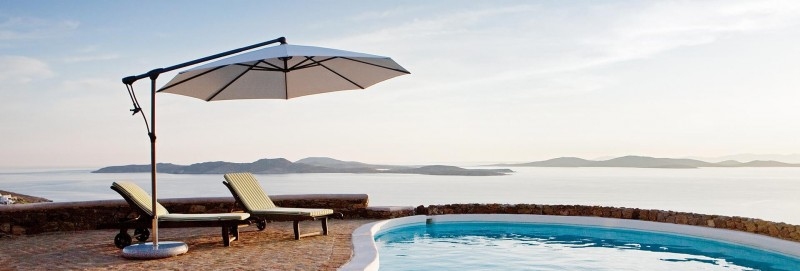 Glatz Sunwing Sonnenschirm Freiarmschirm am Pool
